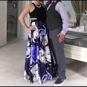 Dresses - Long formal dress